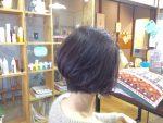 白髪染めやヘアカラーをする際に頭皮や髪に負担をかけないようにしている事。