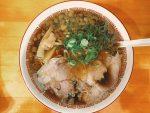 【尾道】間仕切りのあるカウンター席で食べるスタンダードな醤油味の中華そばが美味しい『中華そば永潤』さん